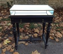 Napoléon III showcase table