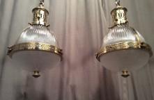 Pair o lamps
