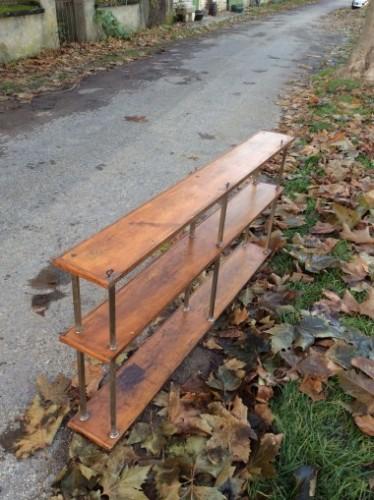 Vintage bistrot wooden shelves