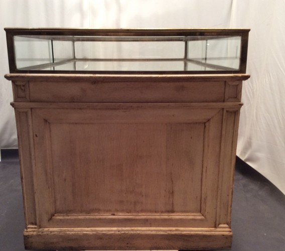 Vintage shop counter display cabinet.