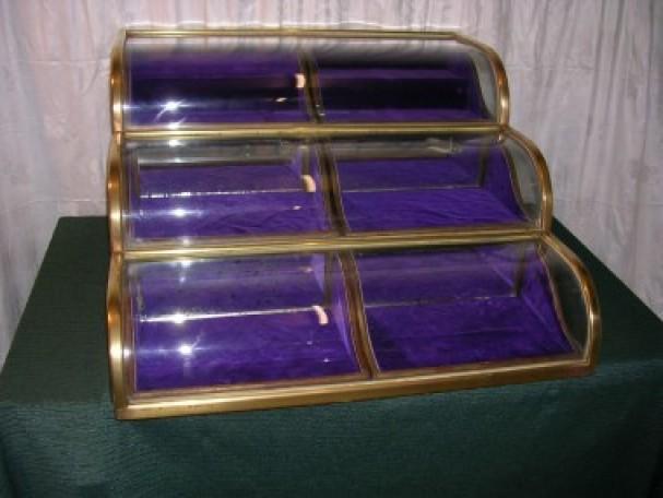 Three levels vintage display case