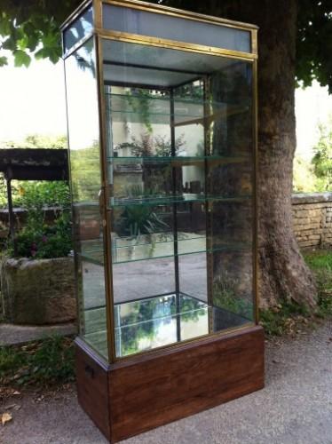 Vintage shop display case (reserved T.O)