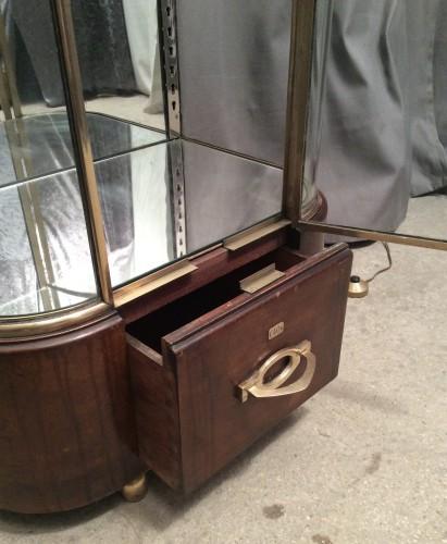 Vintage luxurious vitrine