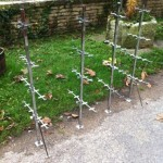 Set of jambs and double shelves supports